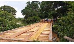 O Trabalho não Para: Prefeito Elvio Queiroz entrega mais uma ponte na Zona Rural de Barão de Melgaço